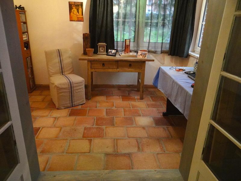 blaettermann-04-terracotta-boden-wohnzimmer